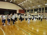 長縄跳び練習の様子
